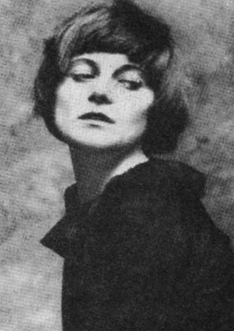 Emmy Hennins